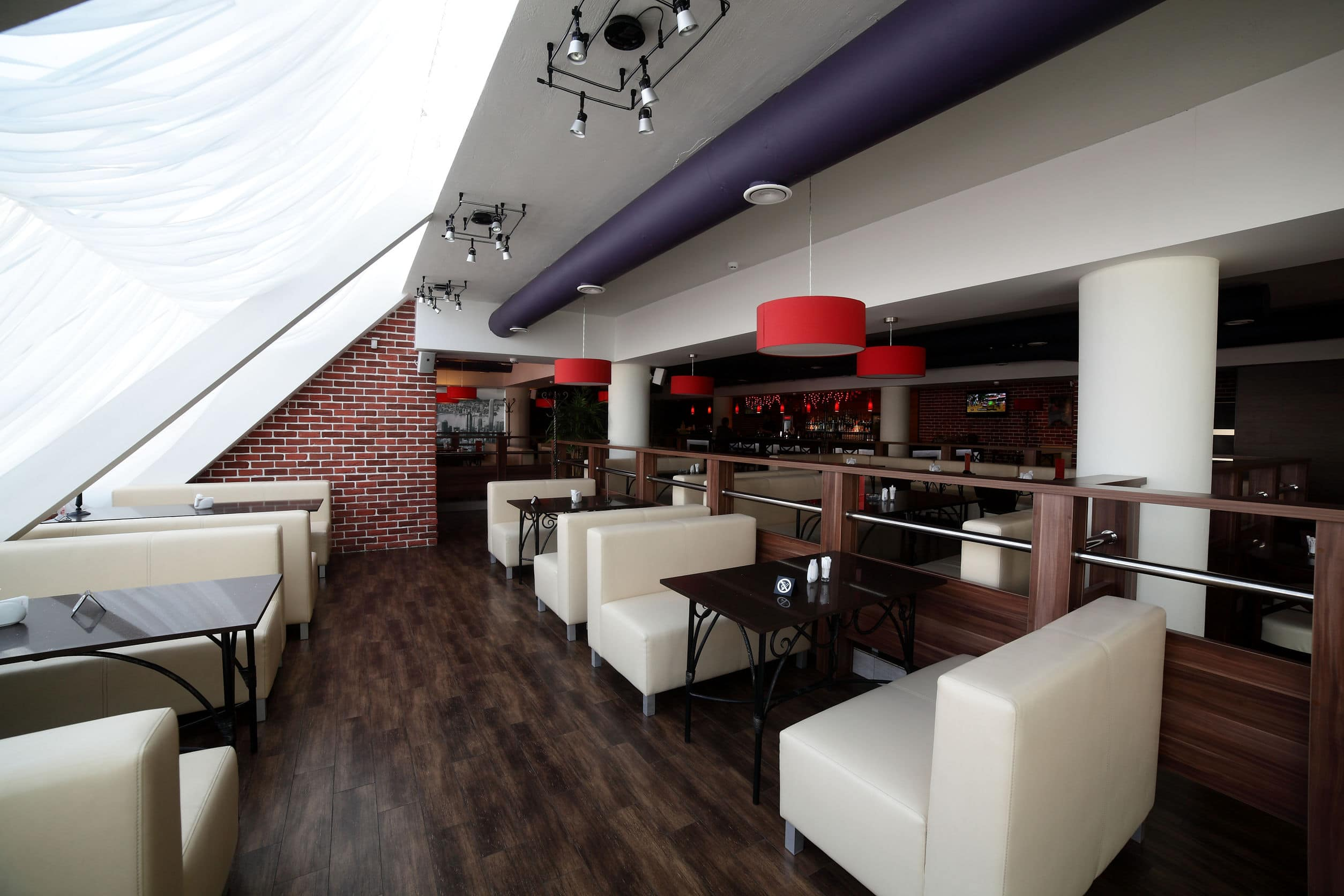 Restaurant Sitting Area - EOL Builders Website